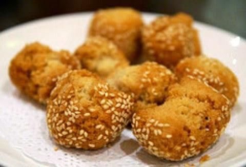 Sesame Coated Egg Cookie Balls