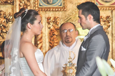 """José Ron y Ariadne Diaz se casan en """"La Mujer Del Vendaval"""""""