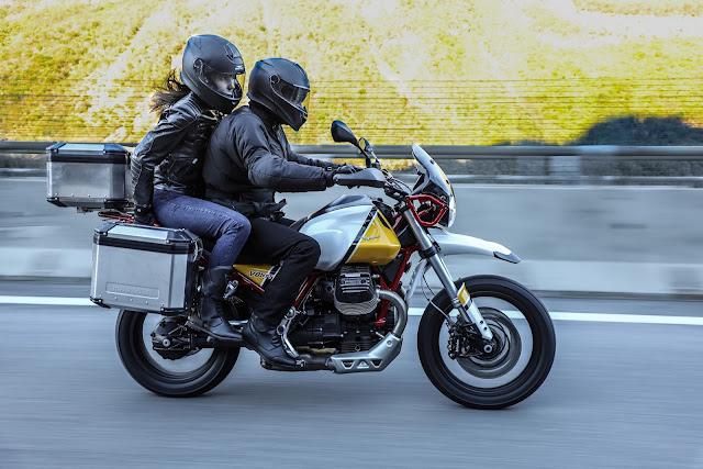 moto-guzzi-v85-tt-action
