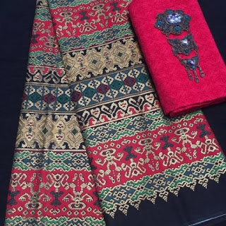 Kain Batik Primis dan Embos 271 merah