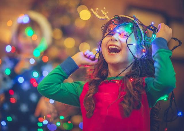 Παιδιά και Χριστουγεννιάτικα παιχνίδια - Της Μανωλίας Σφακιανάκη