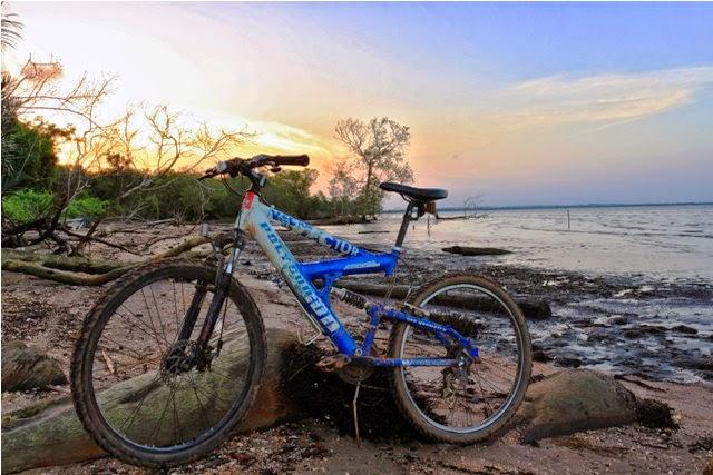 Bagaimanapun juga, dulu Pantai Tanjung Limau menjadi tujuan bersepeda favorit karena paling dekat