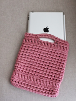 http://not2latetocraft.blogspot.com.es/2014/07/funda-de-trapillo-per-l-xxl-crochet.html