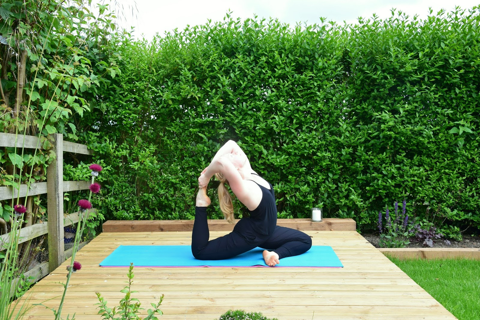 Tips for practicing yoga and doing workouts when it's hot. Via @eleanormayc