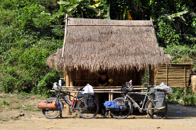 biking-laos