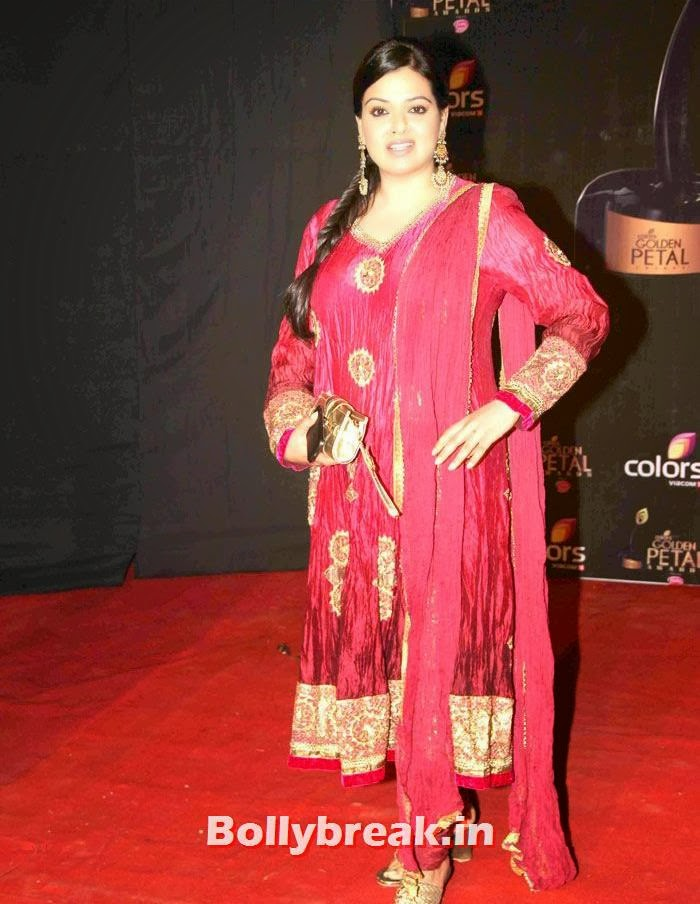 Reva Babbar, Colors Golden Petal Awards Dec 2013 Photos