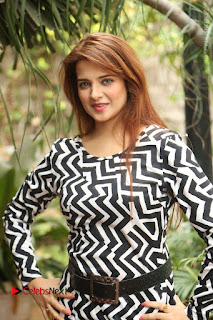 Actress Saloni Latest Pos in Short Dress  0119.JPG