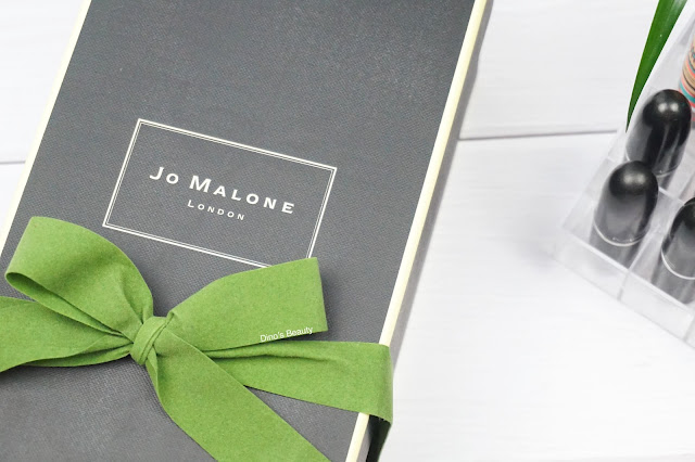 Jo Malone, Sweet Almond and Macaroon, Home Candle, Luxury Candle, December, 2016, December 2016, Jo Malone Candle, Jo Malone Candles, Candles, Lifestyle, Lifestyle Review, Jo Malone home, Paris, Parisian Cafe, Macaroon, Macaroons