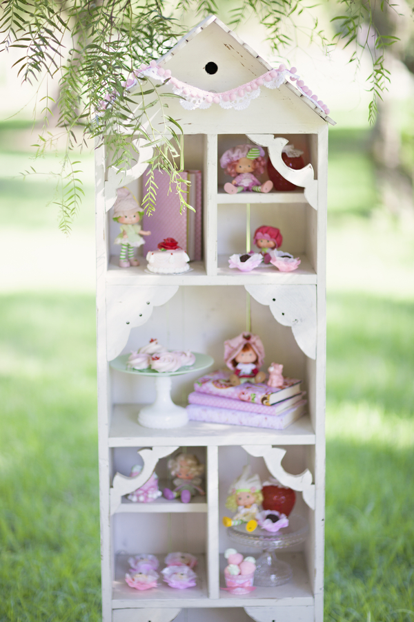 baby+shabby+chic+shower+party+theme+bride+tea+party+alice+in+wonderland+girl+girly+pink+green+vintage+unique+offbeat+gorgeous+soft+boho+bohemian+modern+sienna+rose+photography+cake+pops+candy+play+14 - Dream Tea