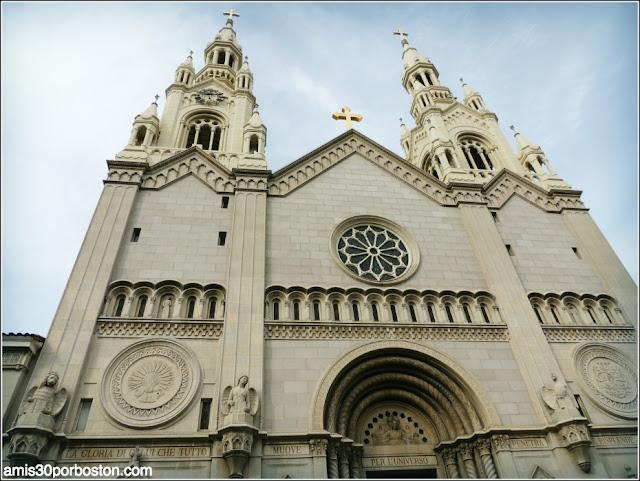 Iglesia de San Pedro y San Pablo en el Barrio Italiano de San Francisco