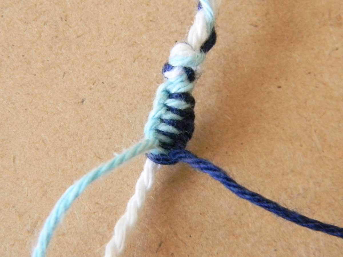 Bracelet en fils simple et rapide