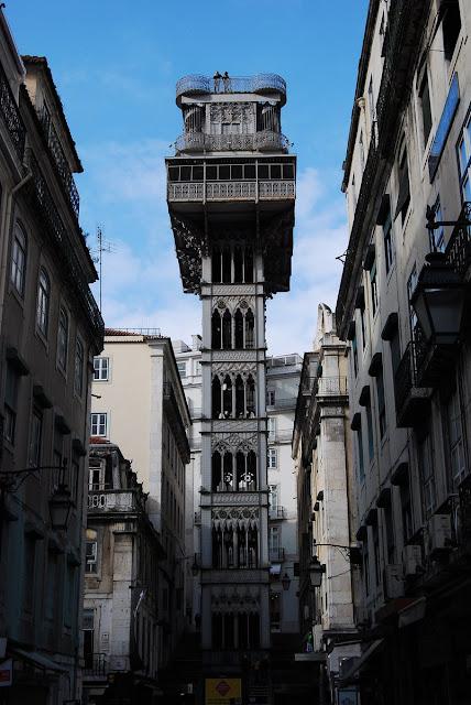 l'ascenseur des Carmes, ou Santa Justa et ses 45 mètres de hauteur