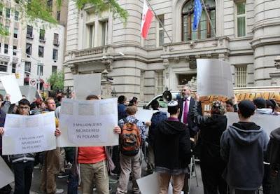 protest1_540_373_80_c1_center_center.jpg