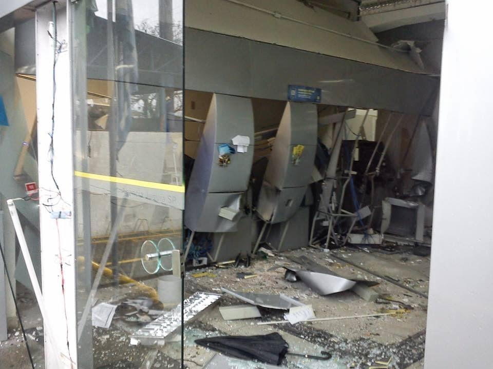 Resultado de imagem para banco explodido