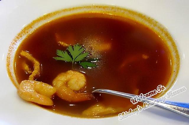 tom yum soup in in casa del rio melaka