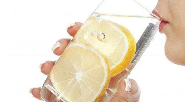 Fakta dan Manfaat Sehat Minum Air Lemon Hangat di Pagi Hari - Kabar Terkini Dan Terupdate