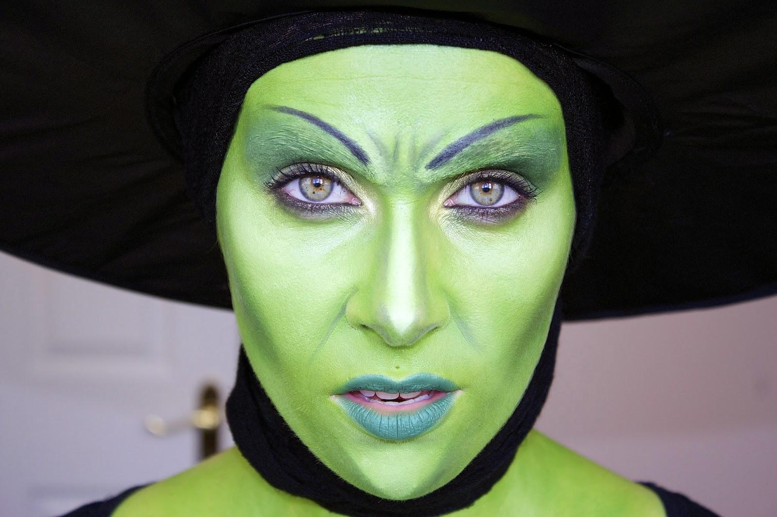 how to green witch makeup mugeek vidalondon. Black Bedroom Furniture Sets. Home Design Ideas