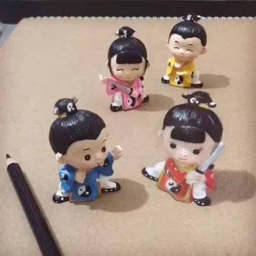 01-Japanese-Figurines-Elif-Nihan-Sahin-3D-Drawing-www-designstack-co