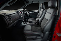 Holden Colorado SportsCat+ by HSV 4x4 Crew Cab (2018) Interior