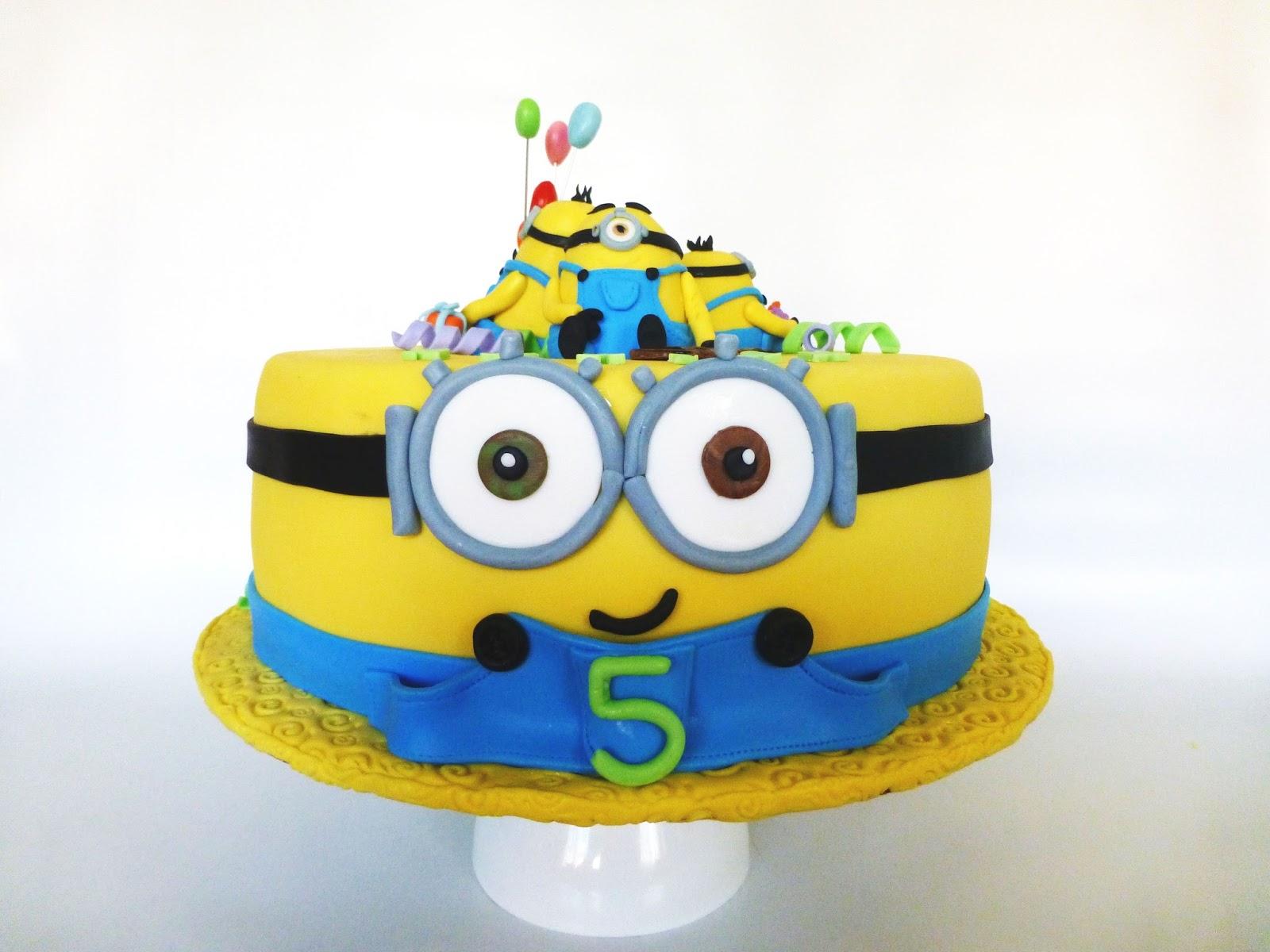 CakeSophia Minions cake