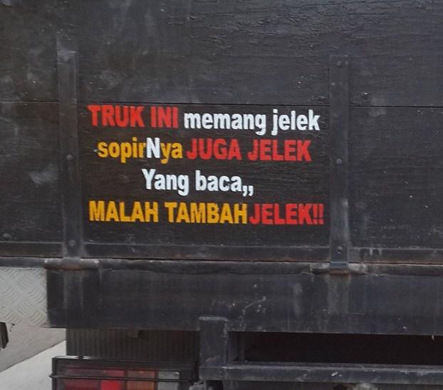 tulisan belakang truk paling lucu