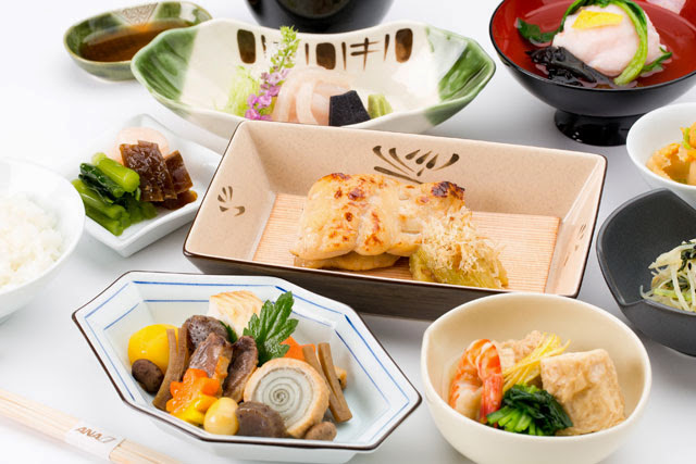 "ANA new First Class Japanese menu by Yoshikazu Tsuji, owner of Kaiseki ""Tsujitome"""