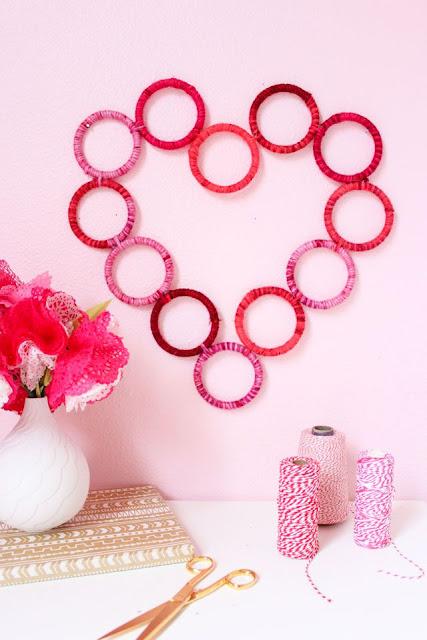 Dia dos namorados coração feito com linhas e argolas decoração
