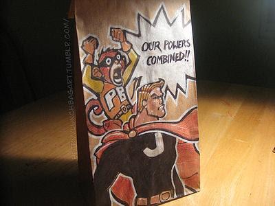 dibujo de super heroes en bolsa de papel