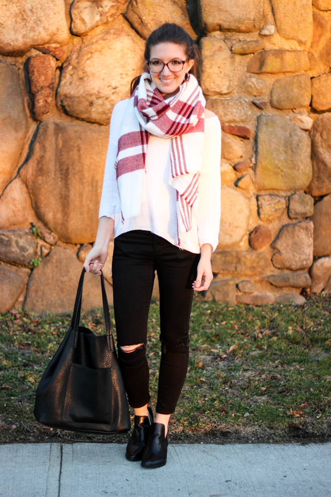 Casual Wear | Slouchy Sweater & Cozy Blanket Scarf
