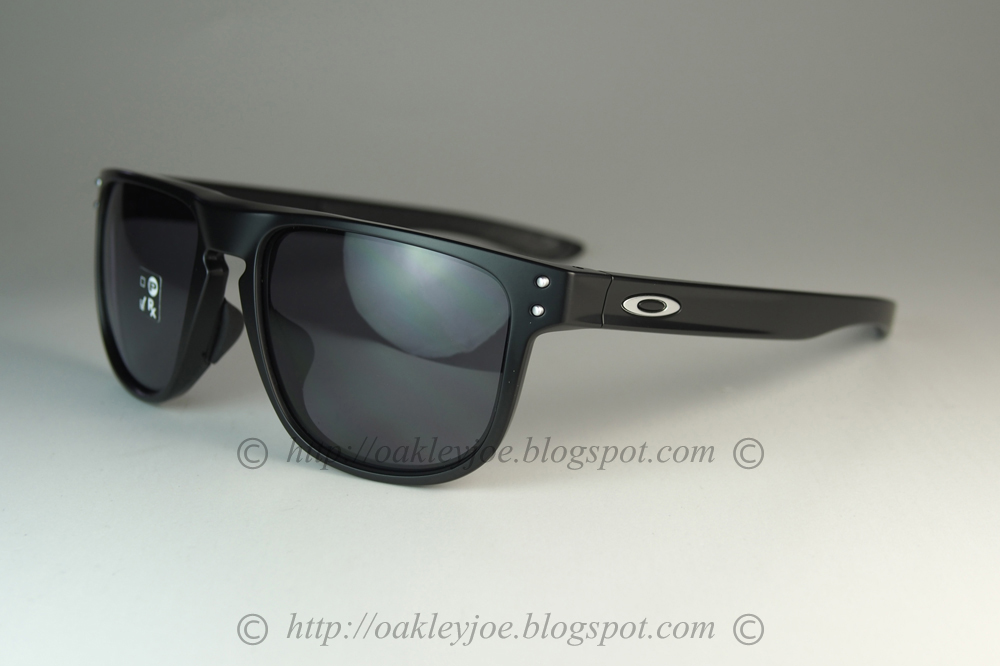 15bcfd37d4a oo9379-0155 Holbrook R Round Asian Fit matte black + grey  195 lens pre  coated with Oakley hydrophobic nano solution complete package comes with  box and ...