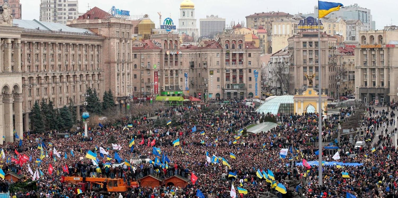 http://3.bp.blogspot.com/-blWRby46B6k/UpxgDTJq-jI/AAAAAAAACuk/sB2GWFCgL6w/s1600/Kiev-B05-2013.jpg
