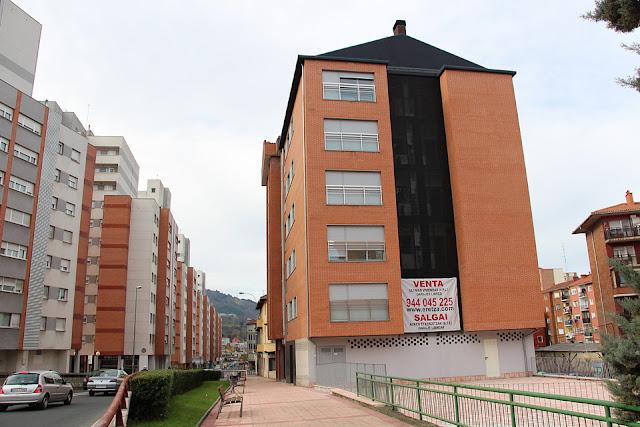 Edificio cuyos bajos acogerán el ambulatorio