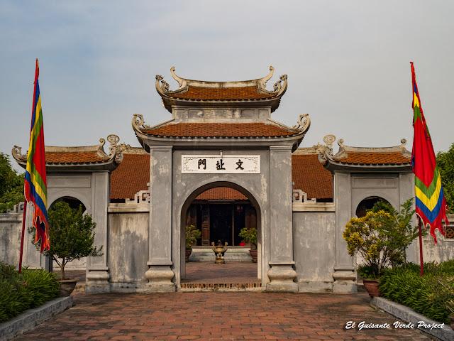 Entrada templos Bac Ninh - Vietnam por El Guisante Verde Project