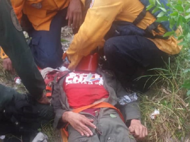 Avioneta de la GNB cayó a tierra en Ocumare y dejó a varios chavistas heridos