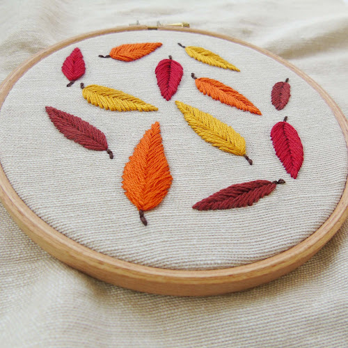 creating falling leaves embroidery hoop using fishbone stitch