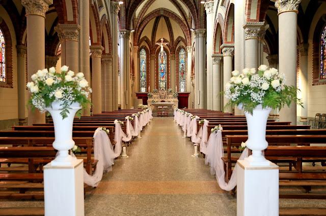 Come allestire banchi chiesa matrimonio religioso