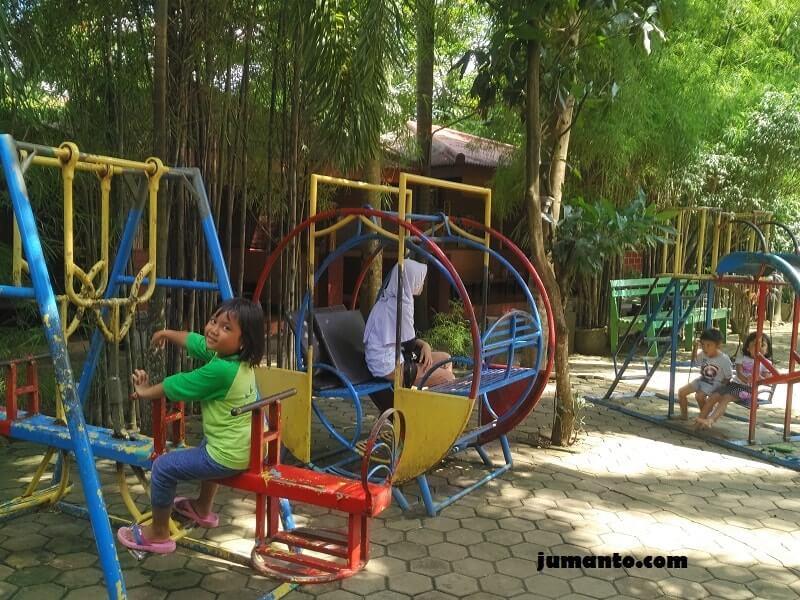 tempat main anak di kampoeng bamboe bandar lampung