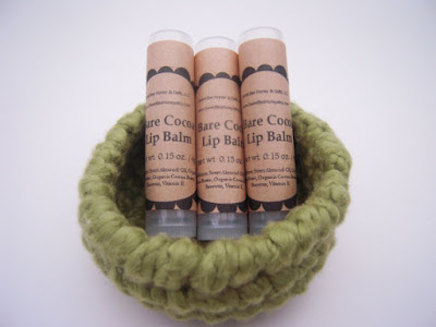 https://www.etsy.com/listing/112275318/beeswax-lip-balm-bare-cocoa-015-oz-tube?ref=hp_rf