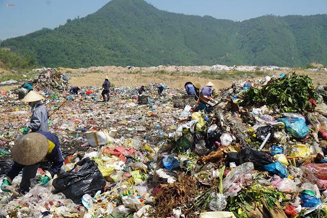 Bãi rác Khánh Sơn liên tục bị người dân phản ánh về tình trạng ô nhiễm