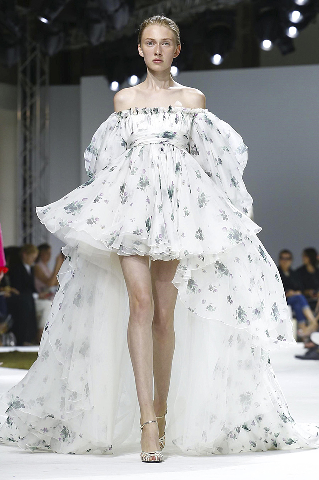 Giambattista Valli Fall 2016 Couture Paris Fashion Week