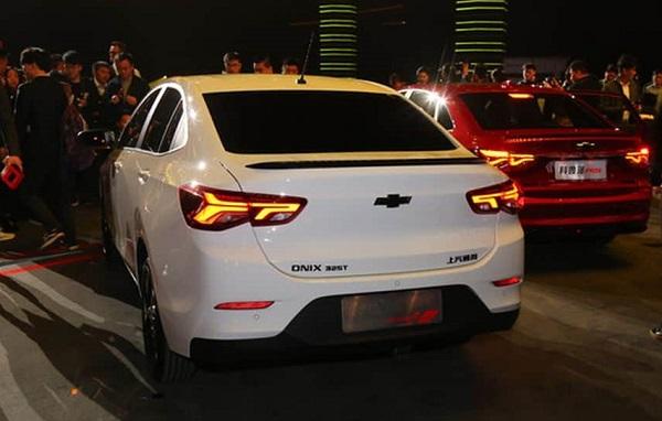 Chevrolet Onix Sedán Redline