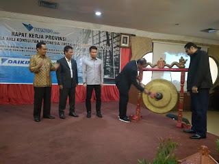Dr. Ir Joko Soepriyono Buka Rakerprov Dan Seminar Konstruksi INTAKINDO Jambi