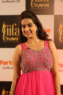 Anchor Manjusha New Stills (7).jpg