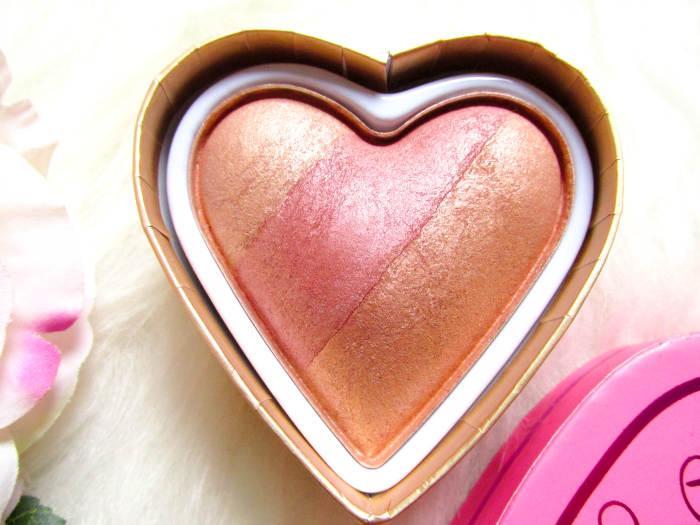 I Heart Makeup Blushing Hearts Triple Baked Blusher - Peachy Kean Heart - Makeup Revolution