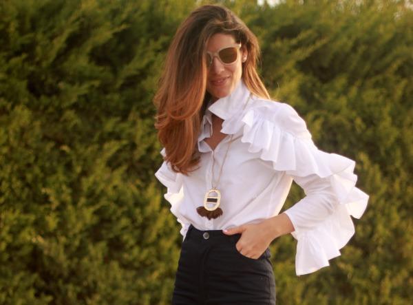 Pantalón campana, moda, camisa volantes