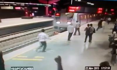 Se Avienta Al Metro