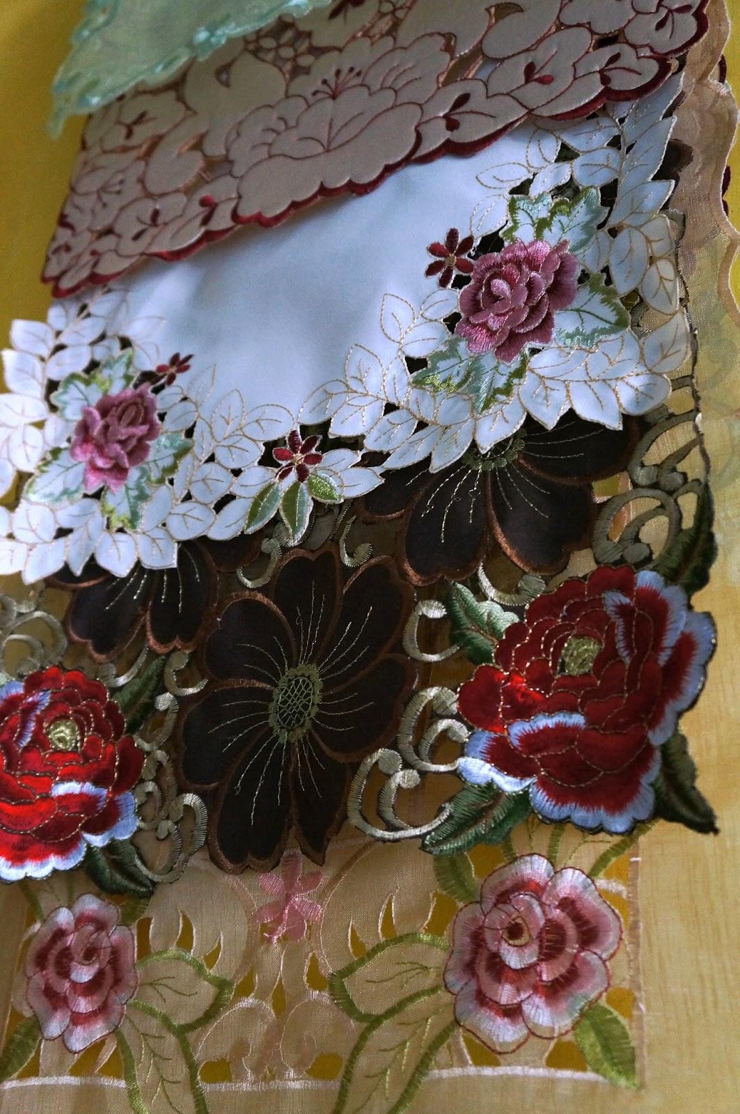 Toko Putra Gembira Carpet And Bed Sheet Selain Menjual Sarung Bantal Kursi Tamu Juga Taplak Meja Untuk Melengkapi Yang