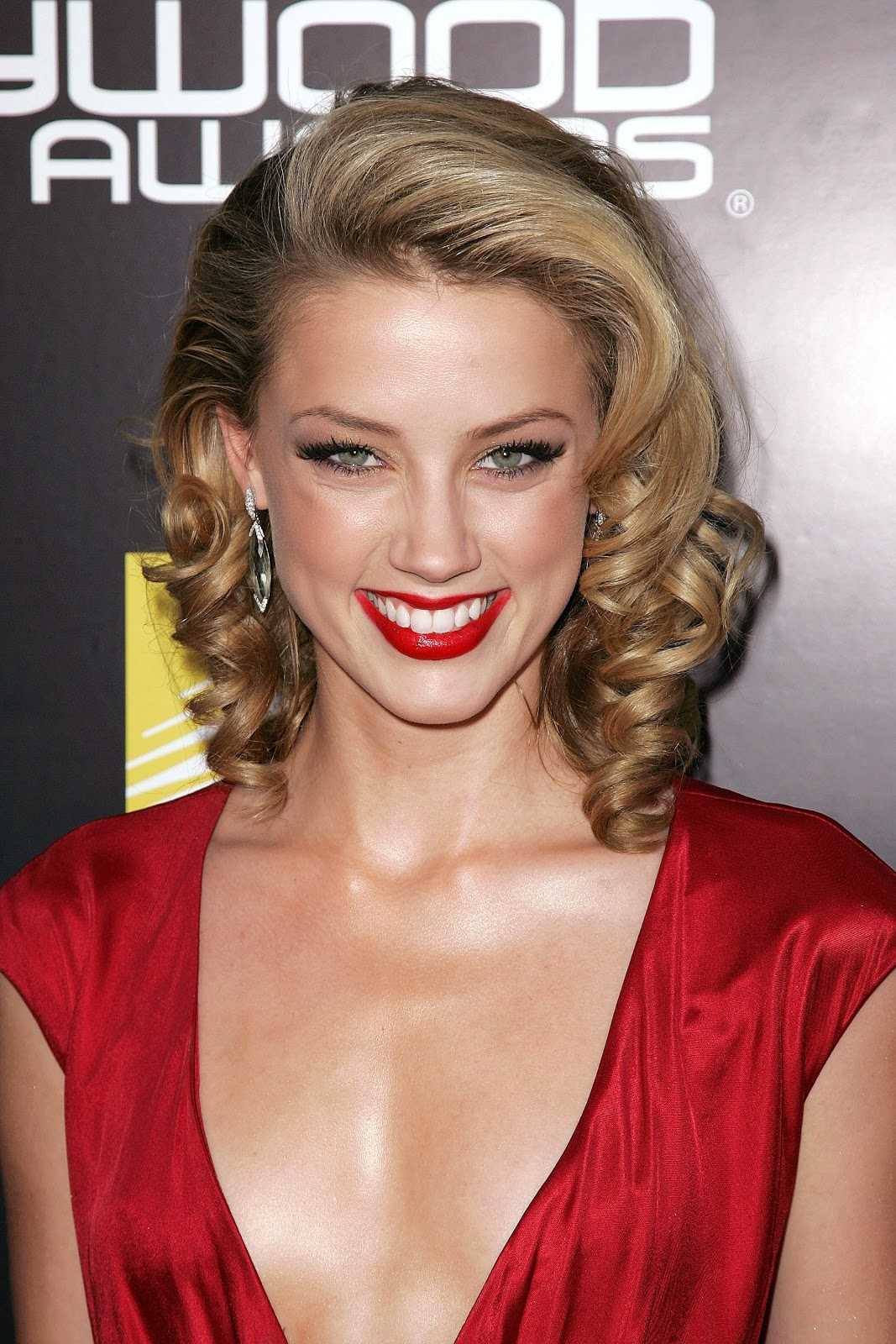 Amber Heard Is The Most Scientifically Beautiful Woman: Hot Hollywood Actress Amber Heard