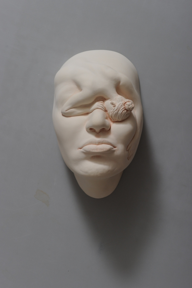 05-Johnson-Tsang-Ceramic-and-Porcelain-Faces-with-Multiple-Expressions-www-designstack-co