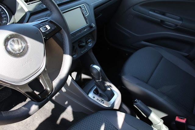 VW Voyage 2019 Automático - interior